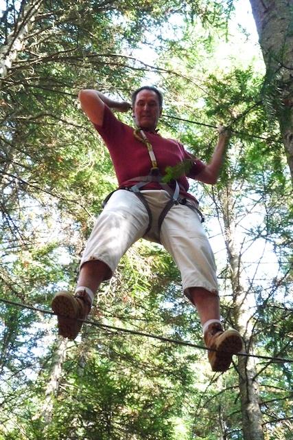 """Rééducation à la précision dans un """"monte-aux-arbres"""""""